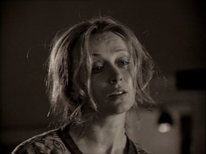 """""""ЗЕРКАЛО"""". Новелла вторая - В ТИПОГРАФИИ. После выяснения, что на самом деле не было ничего - все выдумано, начинается ПСИХОАНАЛИТИЧЕСКИЙ СЕАНС... Мария - пациент, ее подруга Лиза - жестоко-жесткий врач..."""