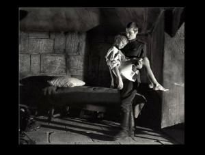 ВОЗВРАЩЕНИЕ ИВАНА К СВОИМ. Получив приказ подполковника Грязнова, Гальцев передает донесение Ивана в штаб, а его - ребенка - с нежностью моет, кормит, укладывает спать.