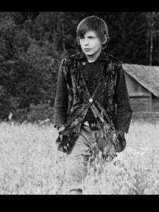 В роли Алексея-подростка (12 лет) - Игнат Данильцев. Он же - Игнат: сын Алексея и Натальи (3 поколение семьи).