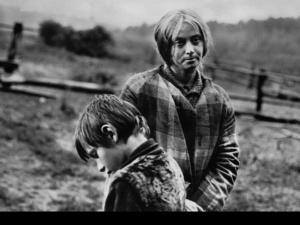 """Рабочие моменты в съемке фильма """"Зеркало"""". Маргарита Терехова, Игнат Данильцев."""