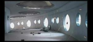 """Кольцеообразная галерея, соединяющая между собой все уровни, все помещения Станции. Страшный образ """"мышеловки"""", в которую попали оставшиеся члены экипажа..."""