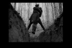 ЛИРИЧЕСКАЯ ЛИНИЯ ФИЛЬМА - головы кружение в березовом лесу прекрасном, что оказалось напрасным, так как ВОЙНА - ТА СИЛА, ЧТО ВСЕ ОБРАЩАЕТ НЕБЫТИЕМ...