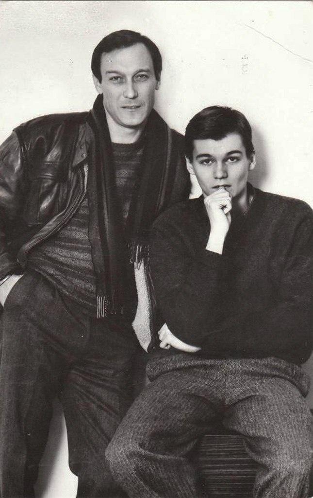 Олег Янковский и его сын Филипп - два достойных друг друга человека и уже этим счастливых..
