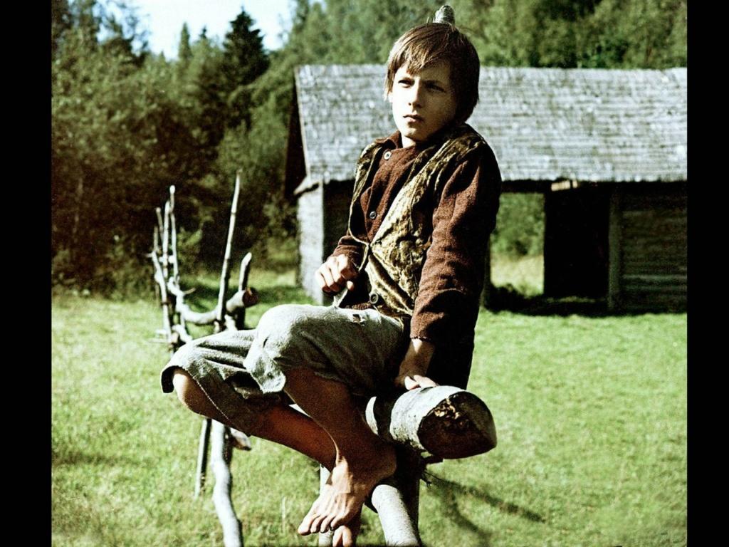 """Игнат Данильцев, сыгравший в фильме """"Зеркало"""" Алексея-подростка (12 лет) и Игната в том же возрасте."""