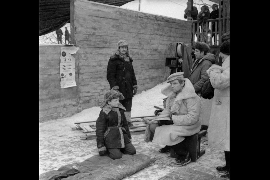 """Фильм """"Зеркало"""". Съемка эпизода - """"На полигоне"""". В роли военрука снялся Юрий Владимирович Назаров. 1937 год рождения. Новосибирск."""