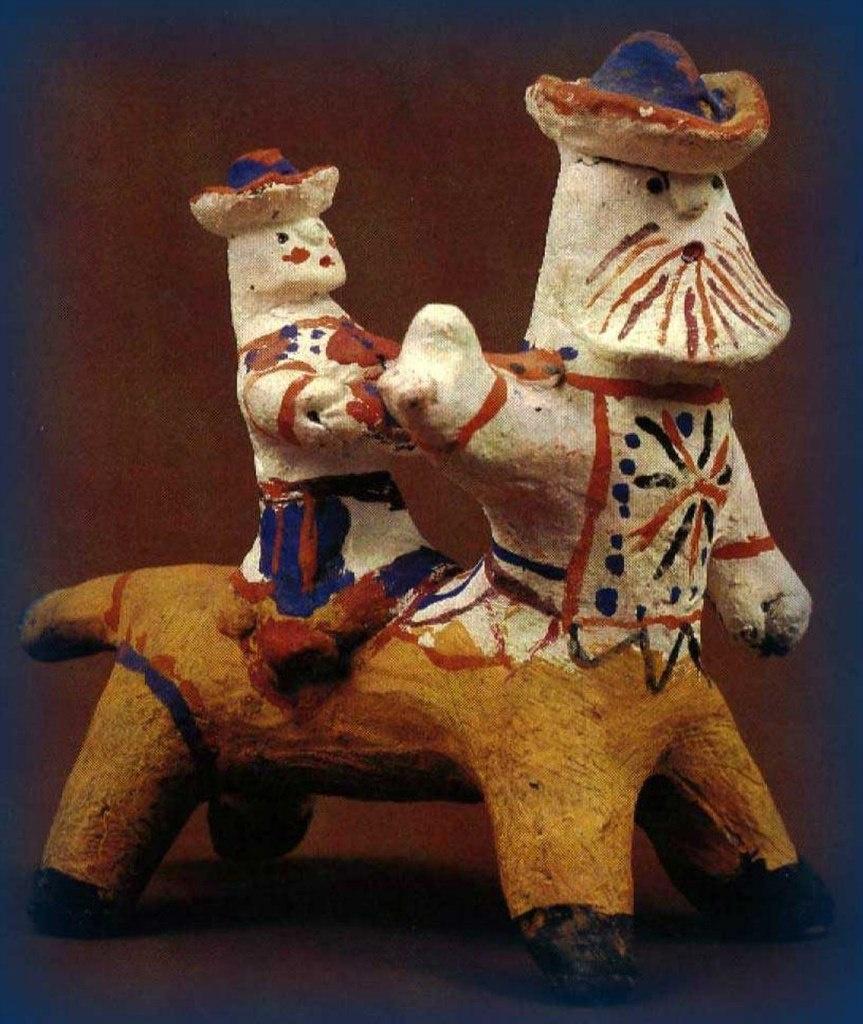 Каргопольские игрушки из глины - XX век. Изначально то - древнерусский ПОЛКАН, противопоставивший себя древнегреческому КЕНТАВРУ.