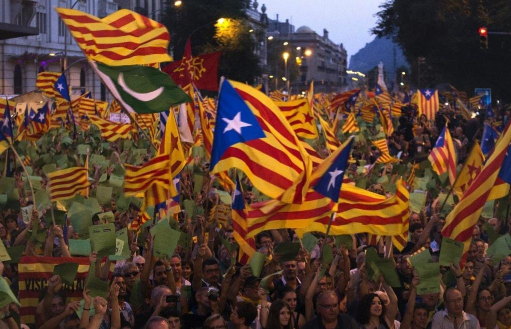 Движение за независимость Каталонии, представители которого заявляют об исторической и культурной обособленности каталонской нации и добиваются полного суверенитета Каталонии и так называемых Каталонских земель.
