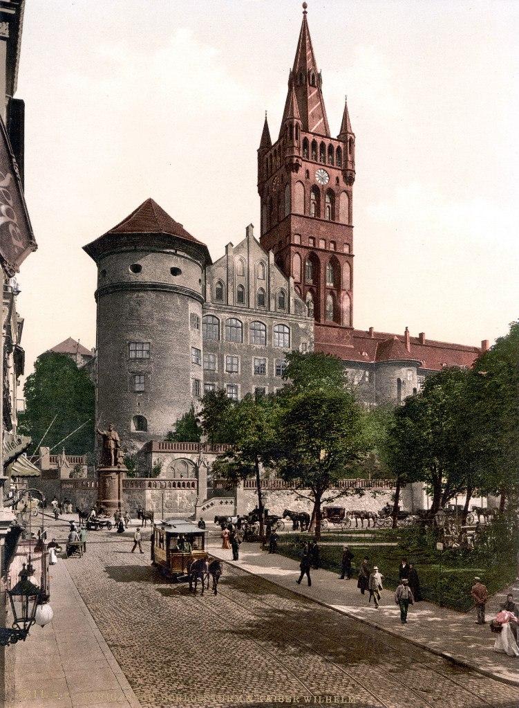 """Довоенный Кенигсберг. Вид на Королевский замок. Сюжет построен на сведениях из книги Вольфганга Фенора """"Фридрих Вильгельм I"""" - самого признанного знатока истории трех первых прусских королей..."""