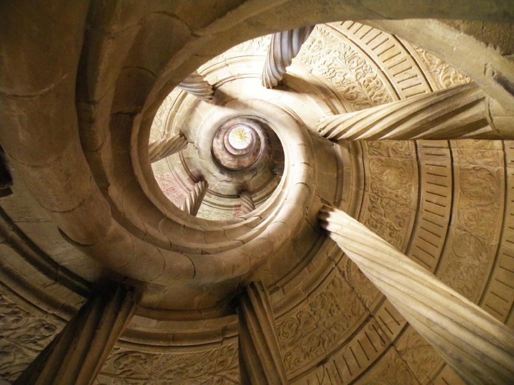 Винтовая лестница без центрального столба. Замок Тевтонского ордена. Бад Мергентхайм