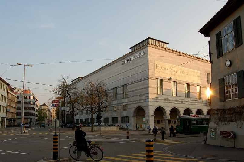 Художественный музей Базеля, для которого построено специальное здание в неоклассическом стиле. На первом этаже - исторический раздел: постоянный. Выше - передвижные выставки.