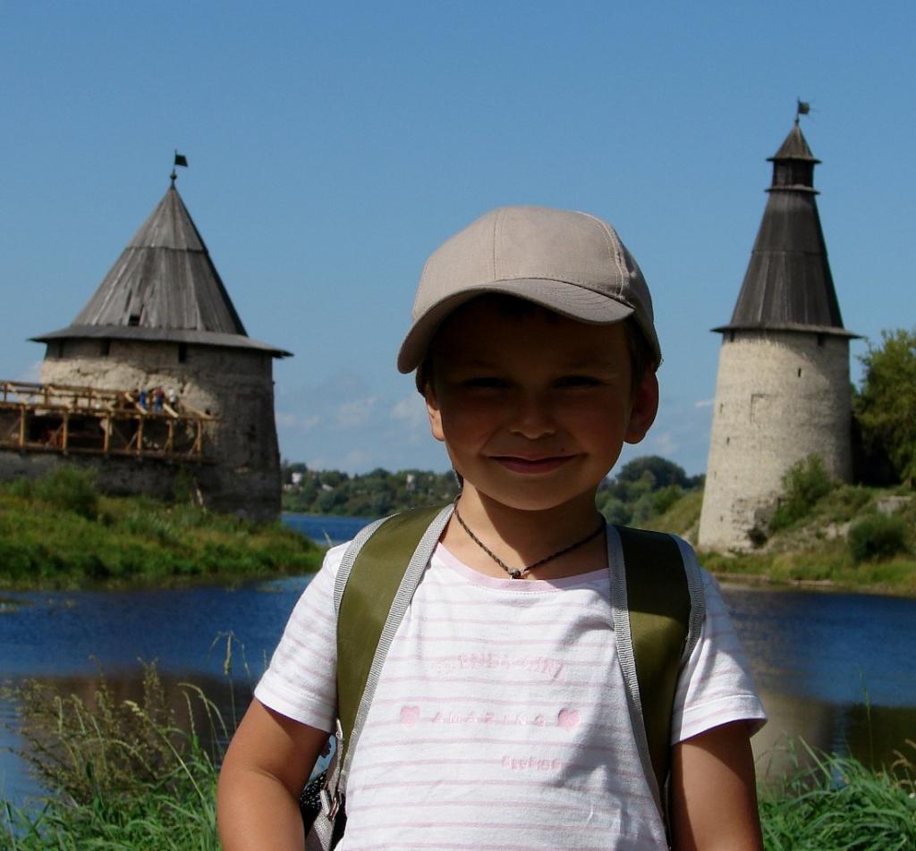 Башни Плоская и Высокая на слиянии рек Великая и Пскова