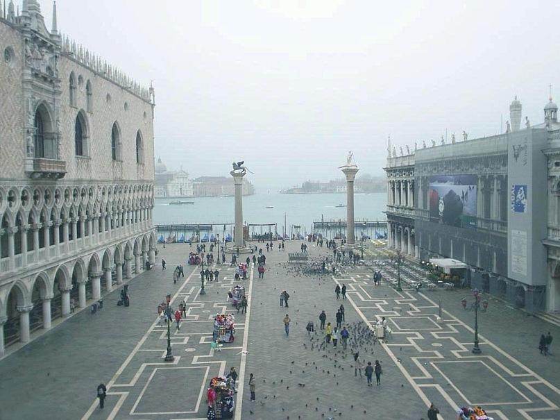 Венеция. Утренняя Пьяцетта, погруженная во власть Духов Города...