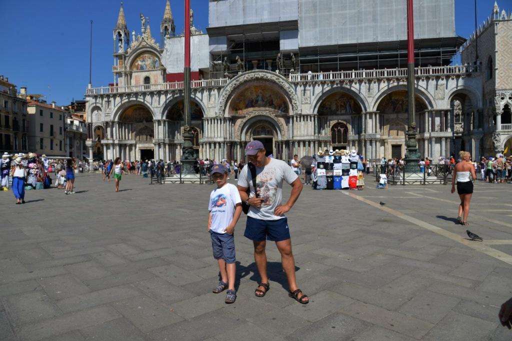 Собор Сан Марко... Наши герои цели достигли, но увы - Венеция им не подвластна...