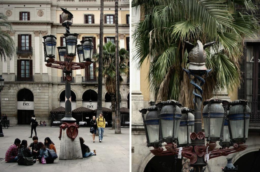 Барселаона. Королевская площадь. Фонари, выполненные молодым Антонио Гауди и установленные здесь в 1878 году (через 10 лет после окончания Высшей технической школы архитектуры в Барселоне, когда Гауди было 26 лет).