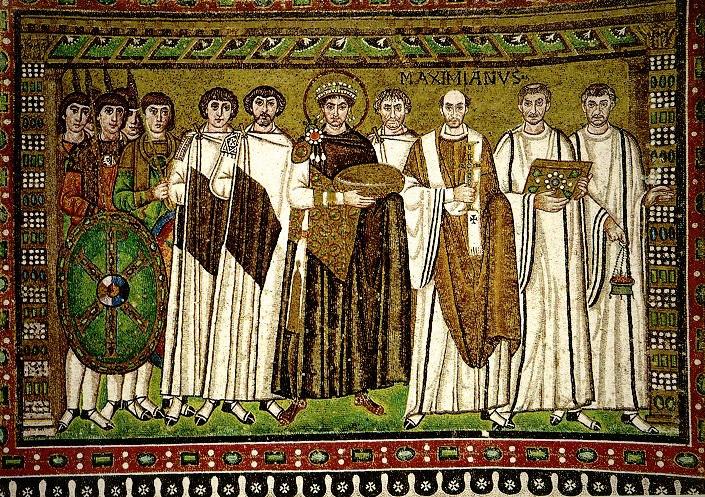 Базилика Сан Витале. Боковые стены апсиды. Император Юстиниан со свитой.