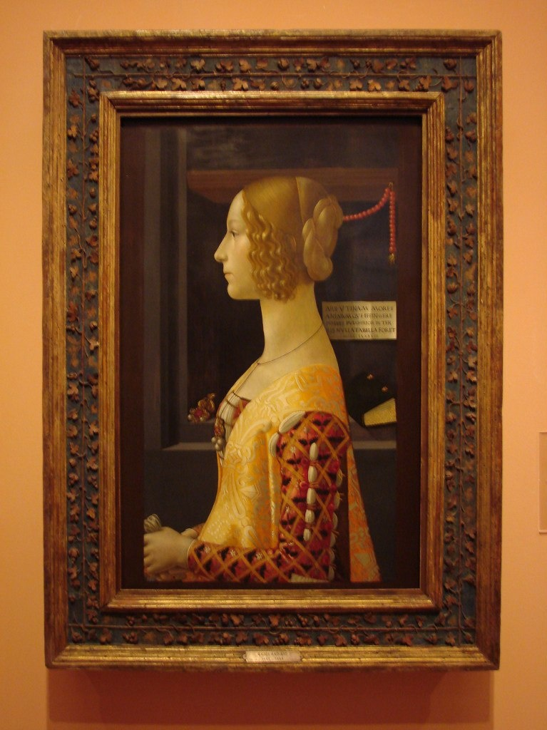 Доменико Гирландайо (1449 — 1494). Портрет Джованны Альбеци Торнабуони (1489-90). Это - прекрасный пример портрета флорентийского кватроченто — строгая профильная поясная композиция, руки сведены вместе. Черты и пропорции лица идеализированы.