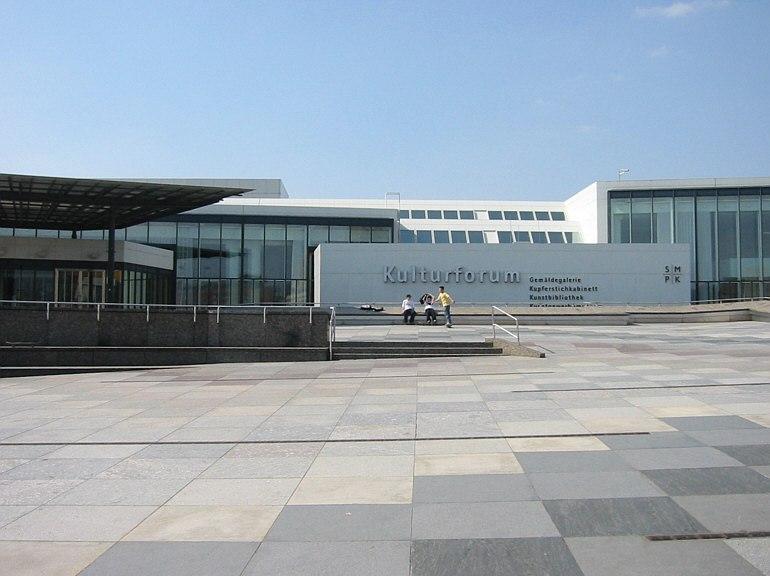 Берлинская картинная галерея (нем. Berliner Gemäldegalerie), расположенная в Берлинском культурфоруме к западу от Потсдамской площади и обладающая великолепной коллекцией полотен XIII—XVIII вв.