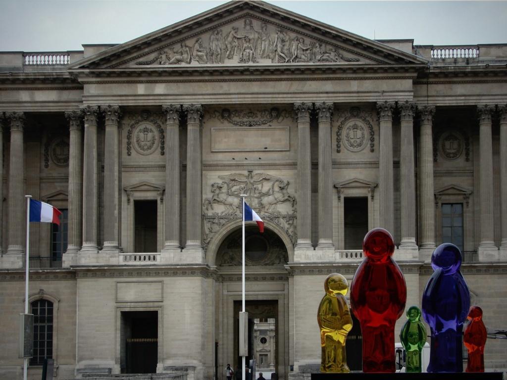 Современное состояние Колоннады Лувра, дошедшей до нашего времени во всей своей достоверности.