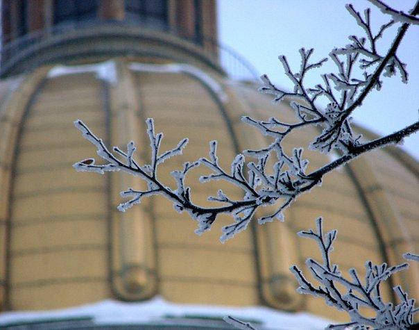 Исаакиевский собор. Арх. О. Монферран. 1818-1858. Вид на купол золотой.