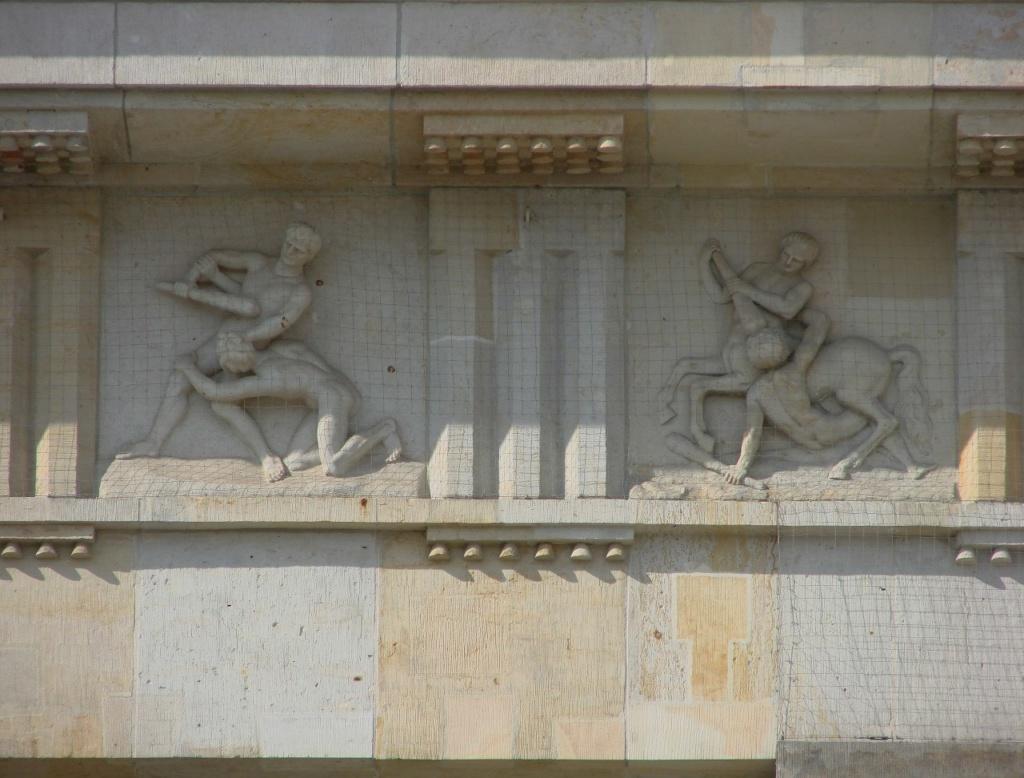 Бранденбургские ворота. Фриз на центральном павильоне.