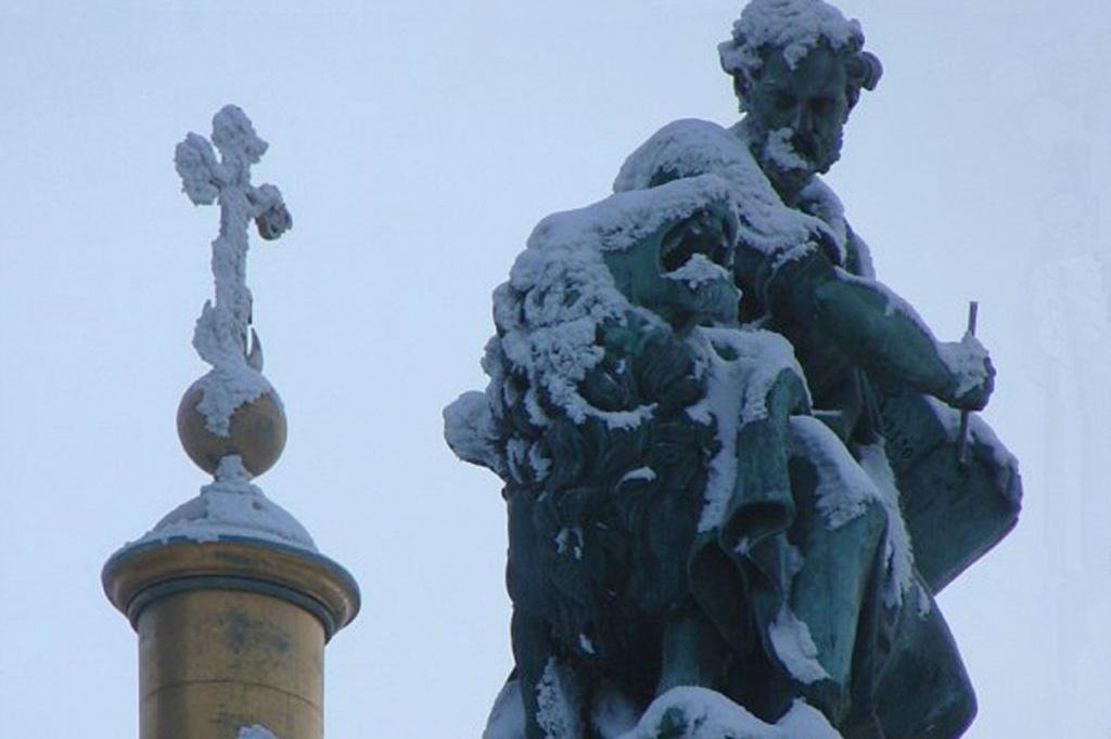 Исаакиевский собор. Арх. О. Монферран. 1818-1858. Фигура евангелиста Марка. Символ - Лев. Внешнее оформление - ск.: И. П. Витали, И. Герман.