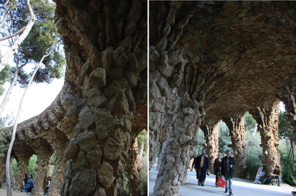 """Парк Гуэль. Нижняя галерея (""""Музейная"""") в готическом стиле. Образец Архитектурного ландшафта из рассыпанных по горе камней, что вдруг поднялись и превратились в галереи-залы, дарящие тень, волшебные перспективы, завораживающую пластику."""