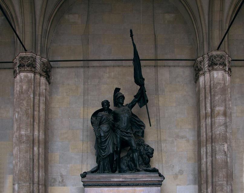 """Мюнхен. Фельдхеррнхалле - """"Галерея баварских полководцев"""". По велению короля, статуи военачальников князя Тиля и графа Вреде, а также памятник Баварской армии в центре, были выполнены из бронзы турецких, французских, русских пушек."""