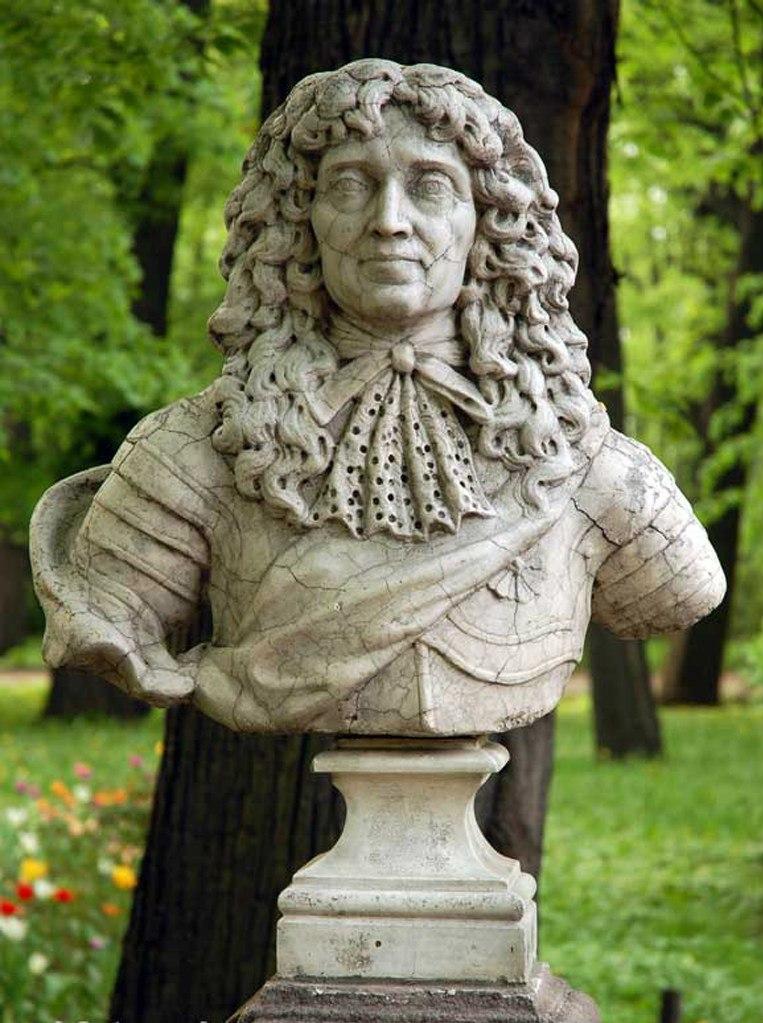 В большой коллекции скульптур Летнего сада есть два бюста неизвестного скульптора из Германии начала XVIII века.  На одном изображен «Фридрих I, курфюрст Бранденбургский, король Пруссии». Этот Фридрих правил в 1657 — 1713 годах.