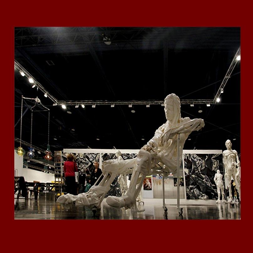 "Экспонаты выставки-ярмарки ""Арт-Базель - 2010""."