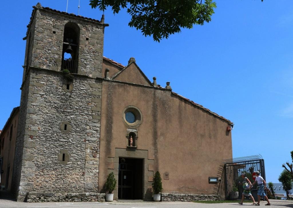 Старинное святилище Девы Марии, называющееся Сантуарио дель Фар — это жемчужина города: ее необходимо увидеть. Рядом находится смотровая площадка, с которой открывается божественной красоты картины окрестностей города Рупит.