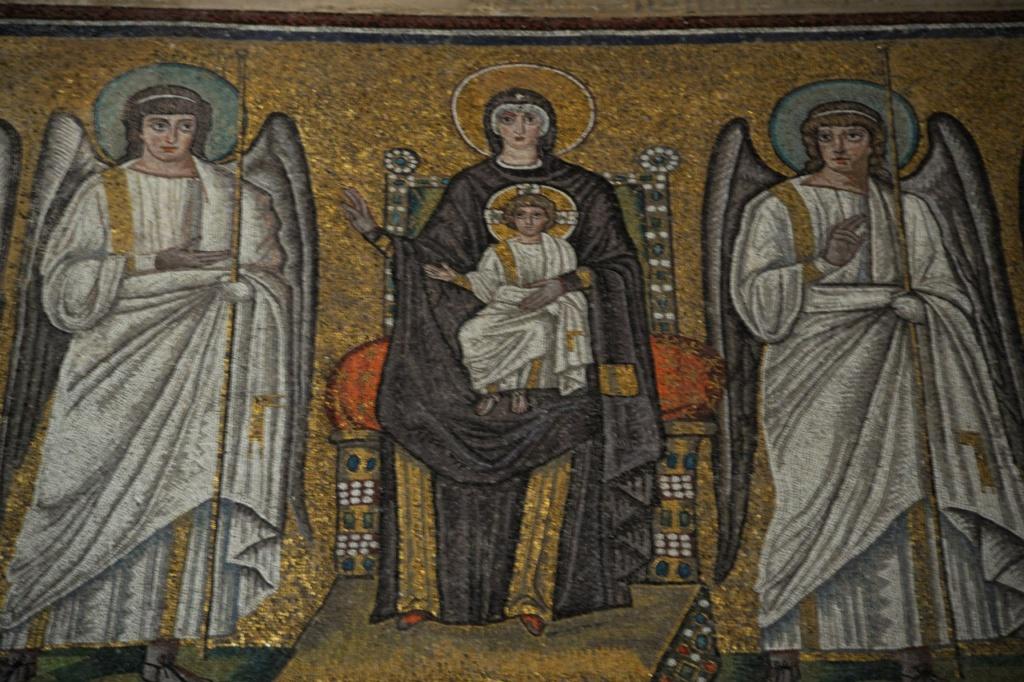 Базилика Сант Аполлинаре Нуово. Богородица.
