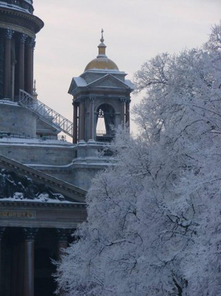 Исаакиевский собор. Арх. О. Монферран. 1818-1858. Одна из четырех соборных звонниц.