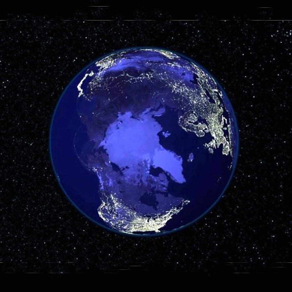 Вид сверху на Землю. Арктика...