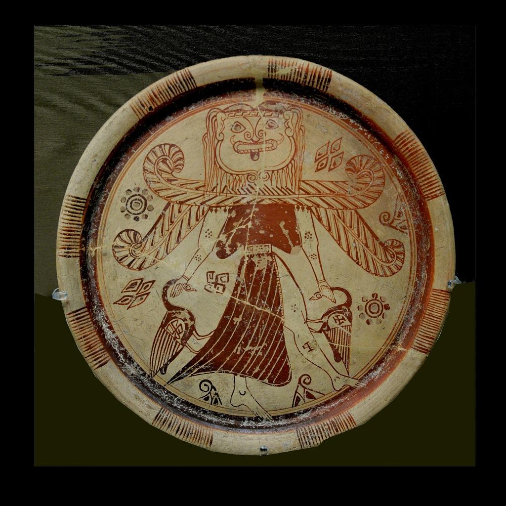 Античная чаша. Изображение свастичной Медузы горгоны