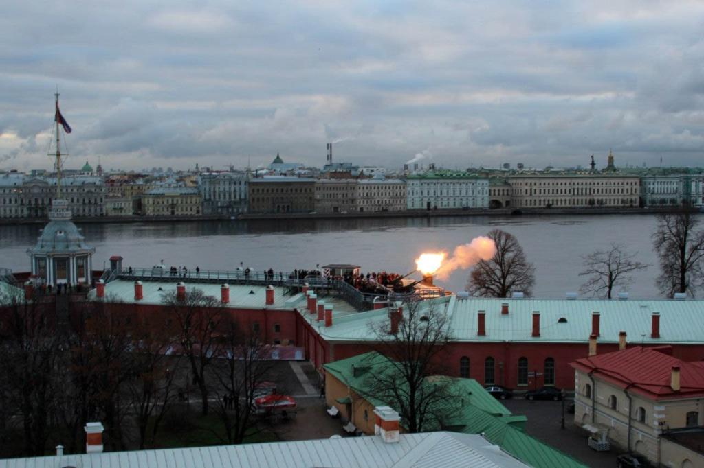 Отчет: состояние Петербурга на 27 ноября 2012 года. 12 часов дня, когда Город слышит пушечный удар....