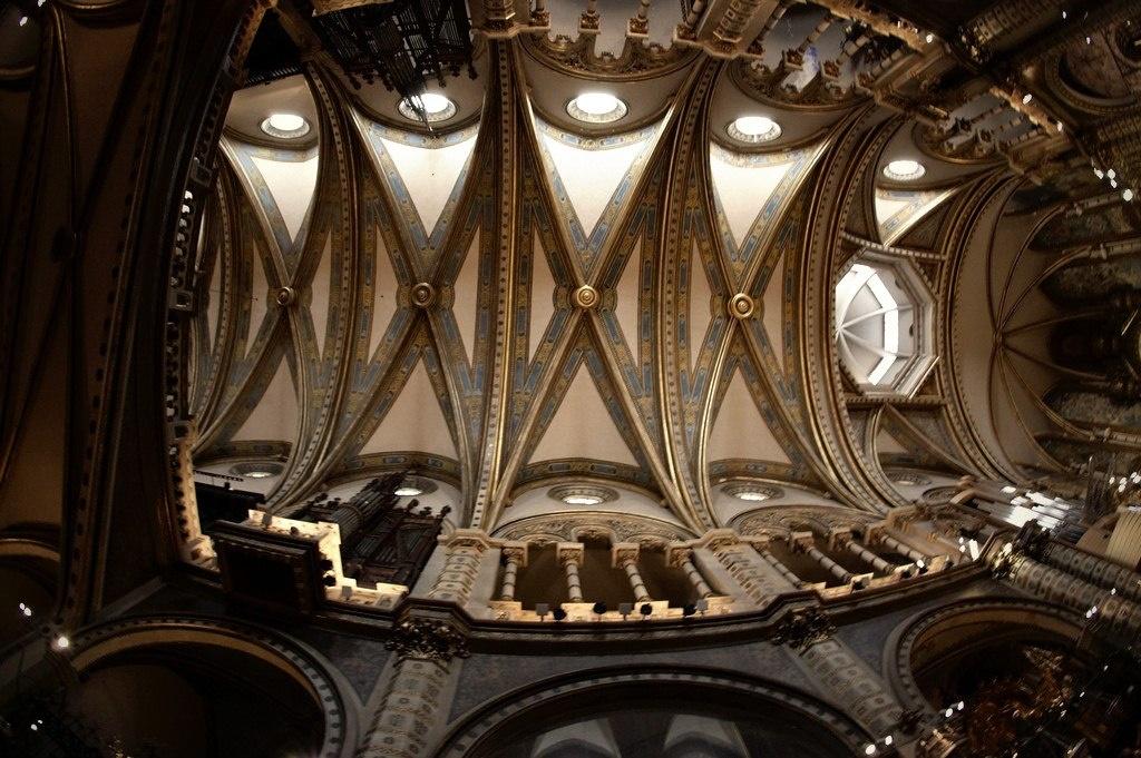 Конструктивная система базилики монастыря Монтсеррат...