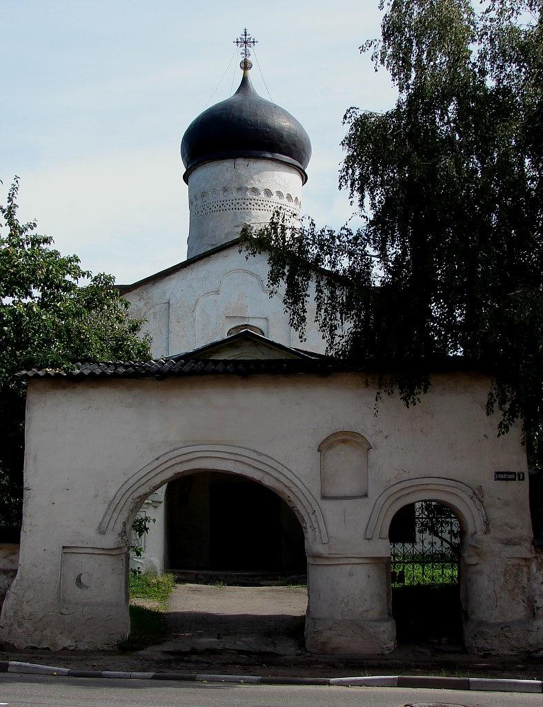 Церковь Козьмы и Демьяна с примостья. Нынешнее состояние