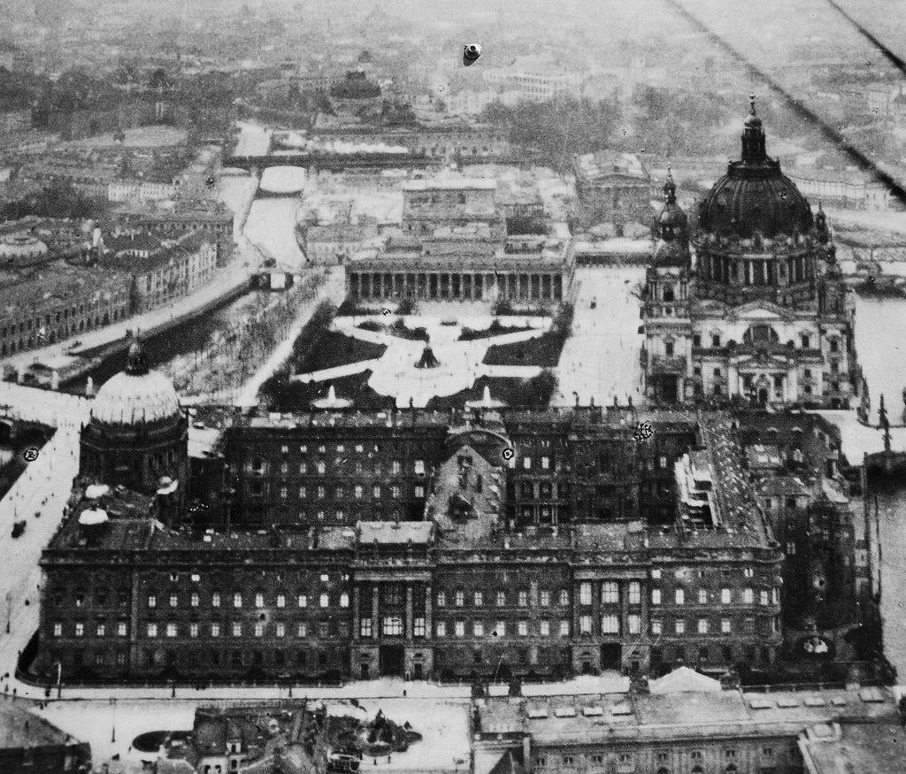Берлин во Вторую Мировую войну, ждущий своего страшного часа.