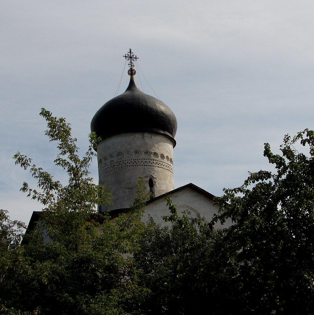 Завершие церкви Козьмы и Демьяна с примостья