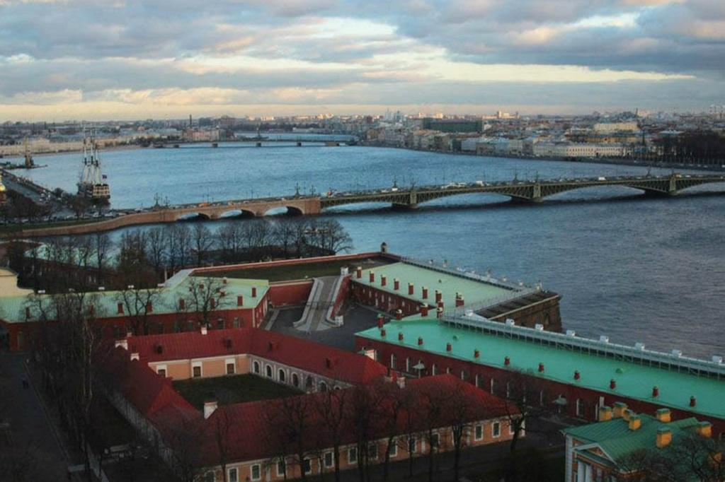 Отчет: состояние Петербурга на 27 ноября 2012 года. На первом плане - Государев бастион.