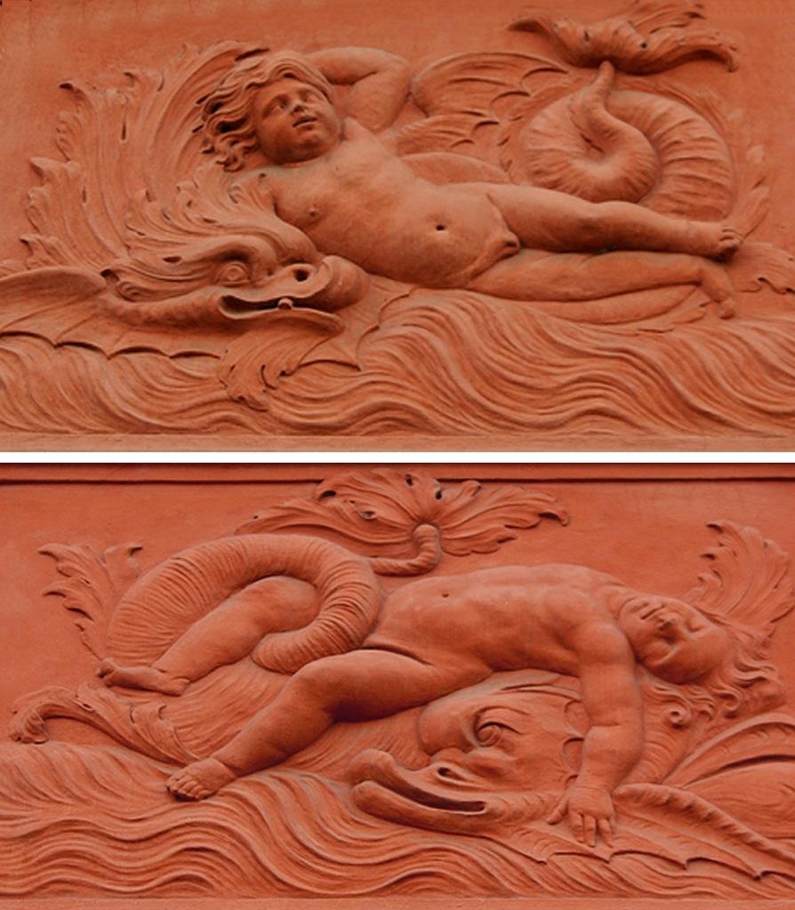 """Петербург. Летний сад. Ле́тний дворе́ц Петра́ I. Межоконные барельефы. """"Мальчик, играющий с дельфином"""". Межоконные барельефы. """"Мертвый мальчик"""""""