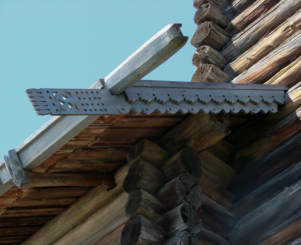 """Церковь Успения в Кондопоге. Сопряжение двух """"четвериков"""" - трапезной и центрального молельного зала"""
