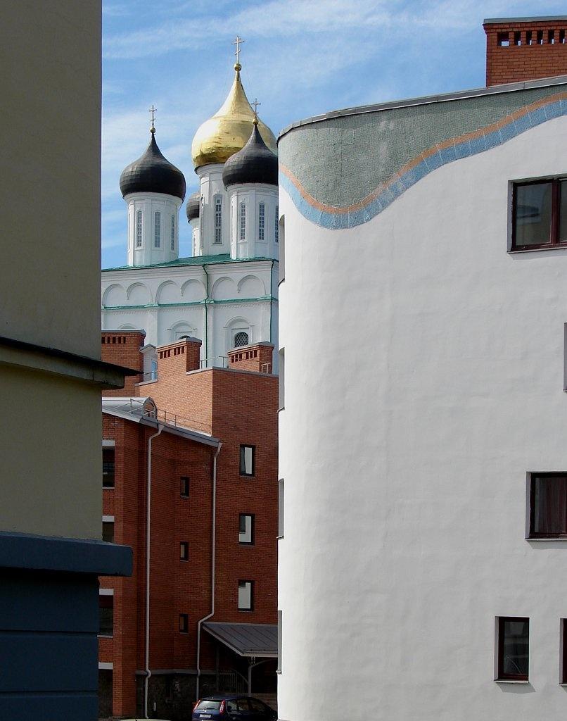 Новострой в охранной исторической зоне Пскова