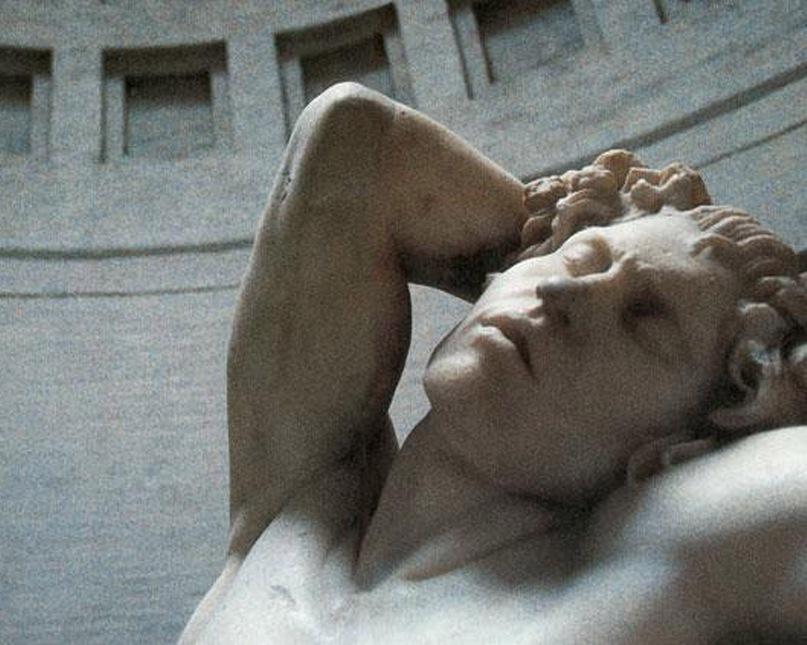 """""""Фавн Барберини"""" - всемирно известный экспонат Глипотеки Мюнхена. То — мраморная статуя неизвестного скульптора Пергамской школы (ок. 200 г. до н. э.), изображающая Фавна (Вакха, Бахуса, Диониса), спящего в непристойной позе."""