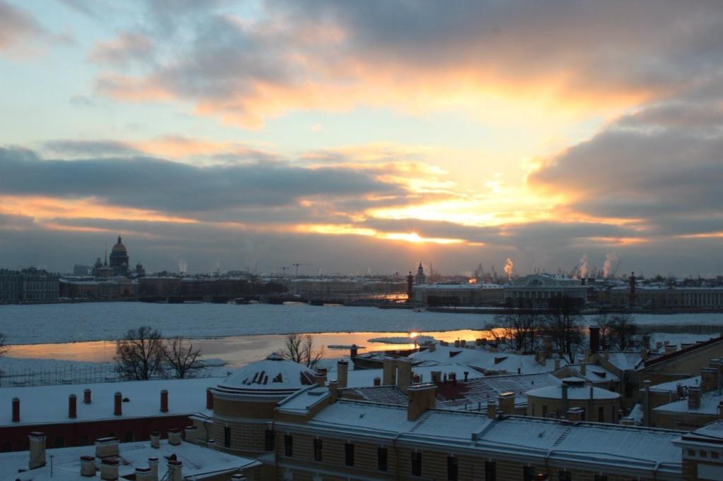 Такой была дельта Невы 4 декабря 2012 года.