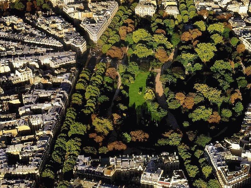 """Фотографии Philippe Guignard из книги """"Париж между небом и землей""""."""