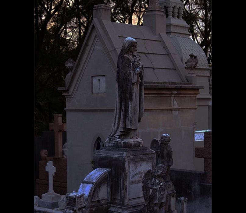 """Вид кладбища, за которым скрываются """"последние лучи заходящего солнца""""..."""