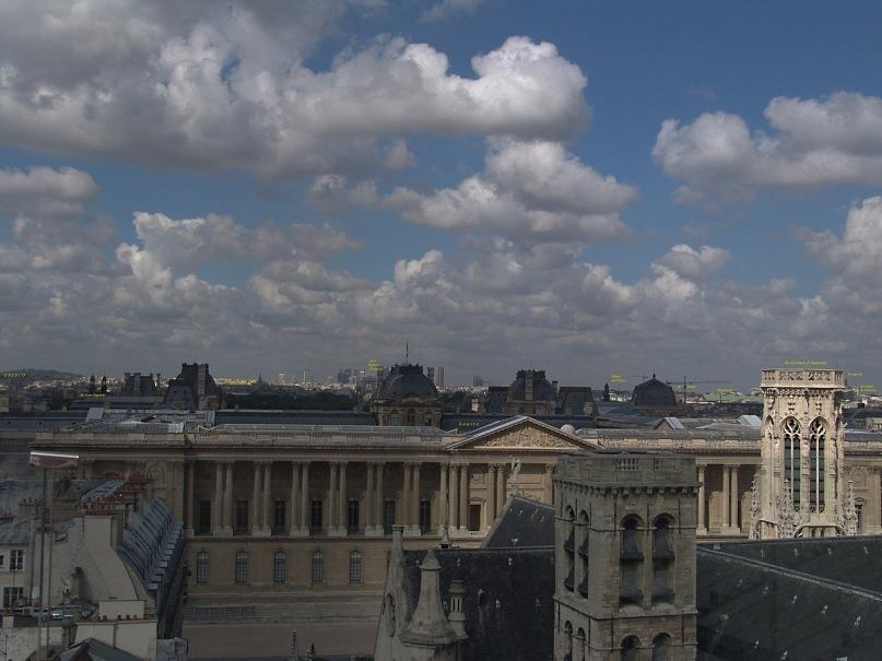 """Уникальная круговая панорама Парижа, полученная из 9 фрагментов.  Съемка осуществлялась с обзорной террасы универмага """"Самаритен"""" (Samaritaine). Фрагмент 7."""