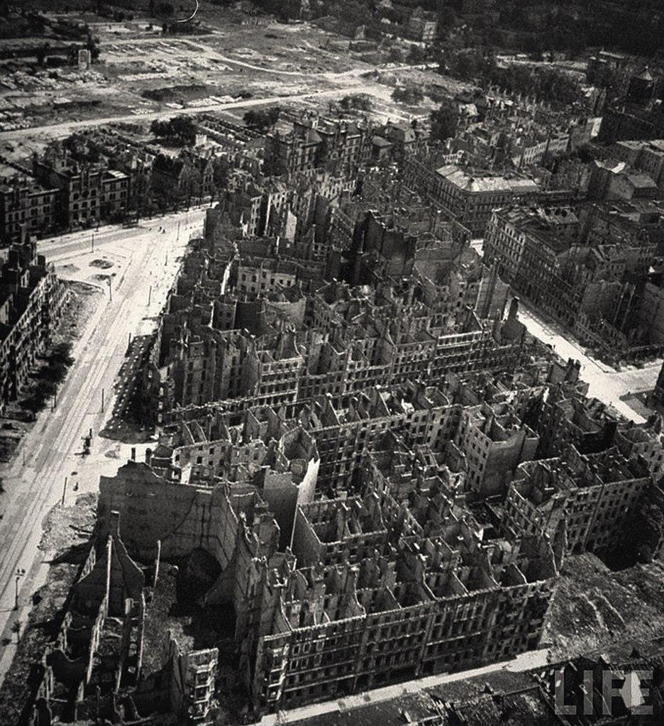 Послевоенный Берлин с высоты птичьего полета.
