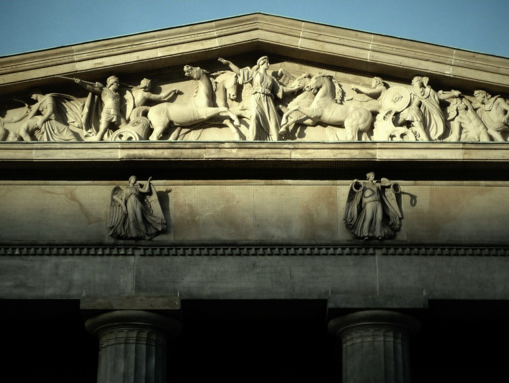 Neue Wache / Здание бывшей гауптвахты. Арх. Карл Фридрих Шинкель. 1816 год. Мавзолей-памятник жертвам фашизма и милитаризма. 1993.